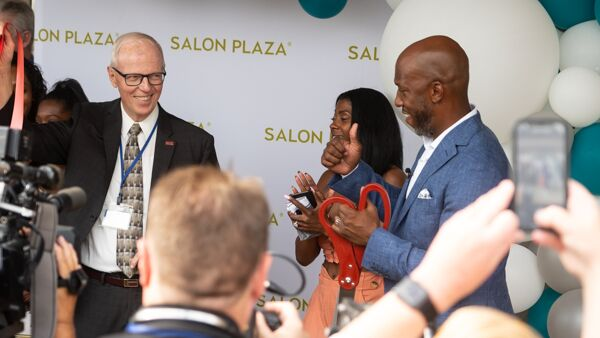 Chauncey Billups at Salon Plaza grand opening
