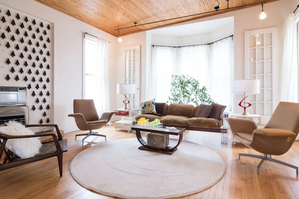 cool Detroit airbnbs