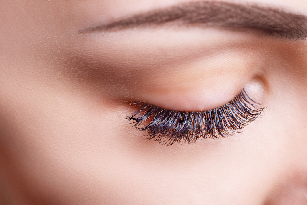 bb2f444f345 5 Things You Need to Know About Eyelash Extensions — SEEN Magazine