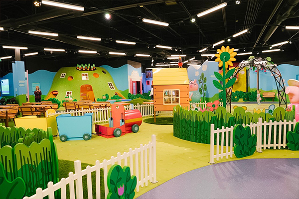 Peppa Pig World of Play at Great Lakes Crossing